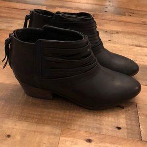 Clark's black booties 6.5 cushion sole